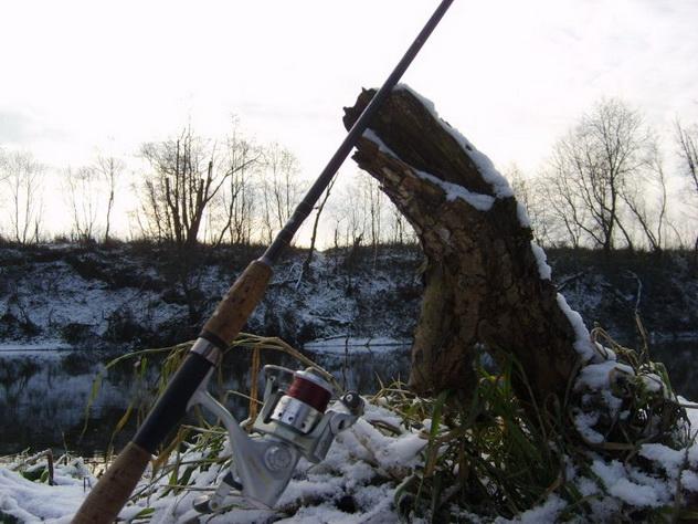 Щука на зимний спиннинг