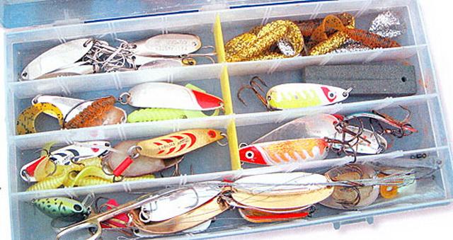 Самый типовой набор блесен для ловли щуки летом на спиннинг.