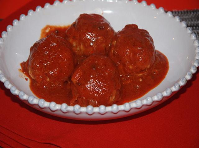 Щучьи котлеты в томатном соусе