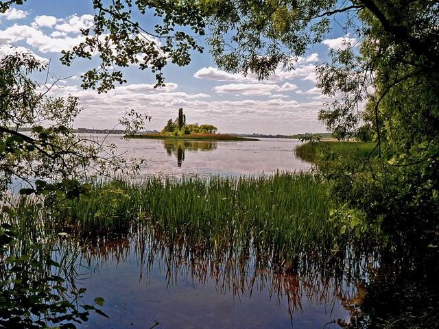 Не ищите щуку на мелководье, отправляйтесь на границу мелкой и глубокой воды.