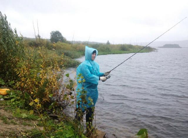 Надевайте дождевик и отправляйтесь на реку - ловить свою самую крупную щуку.