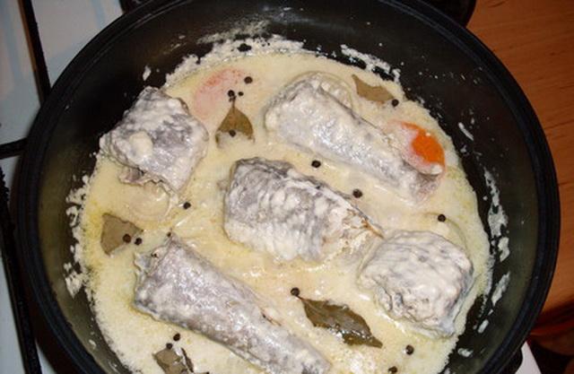 Как приготовить тушенной рыбы